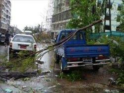 Жертвами тропического циклона стали сотни людей (фото)