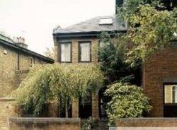 В Великобритании выселяют из домов за неухоженные сады