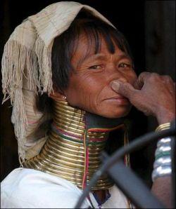 Женщины тайского племени Падаунг (фото)