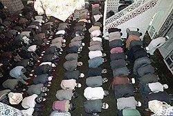 Российские сотовые операторы будут оповещать мусульман о времени молитвы