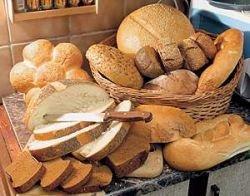 Цены на хлеб и муку в России растут вдвое быстрее общей инфляции