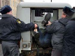 Милиция задержала заблокированных в квартире нацболов