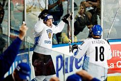 Хоккейный бог был канадцем. Канада - США  5:4