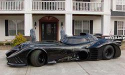 Оригинальный бэтмобиль выставлен на продажу (фото)