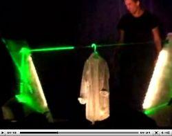 Потрясающие фокусы с лазером от Jason Latimer (видео)