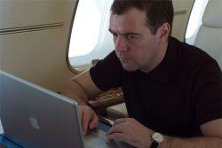 Российский президент Дмитрий Медведев - фанат и пользователь продуктов Apple