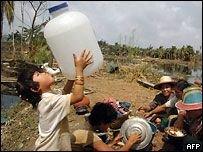 От Бирмы требуют открыть границы для помощи