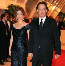 Том Хэнкс выставил на аукцион вечер со своей женой