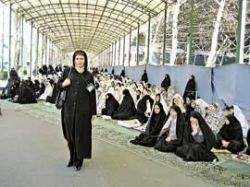 """В Иране создают \""""островки свободы\"""" для женщин"""