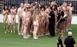 Спенсер Туник раздел 2008 человек на стадионе в Вене (фото)