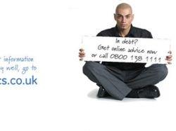 Кредитные учреждения вгоняют британскую молодежь в долги с помощью Facebook