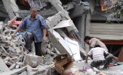 В Китае после землетрясения под завалами остаются 94 тысячи человек