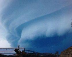В разрушительных циклонах виновато глобальное потепление