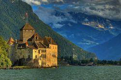Названы самые популярные замки-музеи Европы (фото)