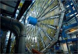 """Интернет в ожидании \""""часа Х\"""" - запуска Большого адронного коллайдера, способного уничтожить Землю"""