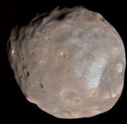 Марс и Фобос столкнутся не через 50, а через 10 млн лет