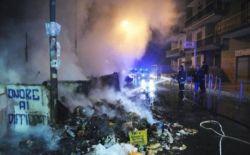 Власти призывает туриндустрию сделать мусорные кучи Неаполя одной из достопримечательностей