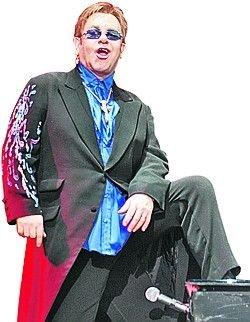 Элтон Джон споет в гостинице на Рублевке за $5.000.000