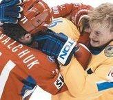 Хоккеисты все чаще соревнуются, кто кого удачнее покалечит