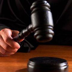 """Суд оправдал \""""убийц\"""" американской певицы"""
