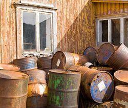 Американец нашел нефть во дворе дома