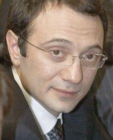 Сулейман Керимов избавляется от серебра и золота