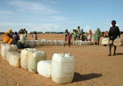 Воды на планете по-прежнему много, но доля пригодной для питья — стремительно сокращается