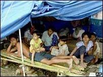 Хунта пустила в Бирму вертолеты ООН