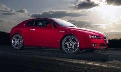 Alfa Romeo Brera S - украшение серых проспектов