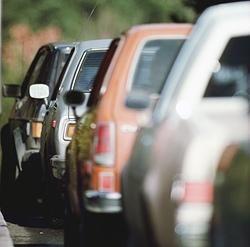 Повышение налога на транспорт власти считают панацеей от всех автобед