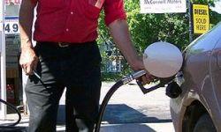 Американцы воруют бензин на автозаправках