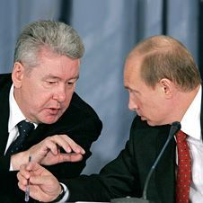 Владимир Путин передал Сергею Собянину контроль над всей своей работой