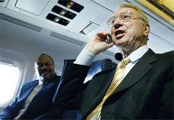 Большинство американцев против разговоров по телефону в самолетах, но за передачу данных