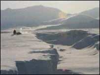 В Арктических льдах обнаружены крупные трещины