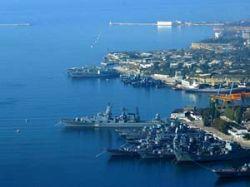 Черноморский флот из Севастополя некуда выводить, кроме как топить?