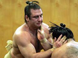 В Японии Императорский кубок по сумо впервые выиграл европеец
