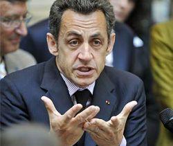 Николя Саркози подал в суд из-за надписи на майке