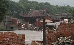 В Мианьчжу спасен 80-летний старик, проведший под завалами 11 дней