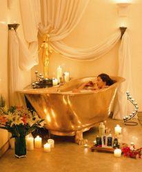 Швейцарский отель предлагает своим гостям ванну из золота