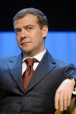 Дипломатия улыбок от Дмитрия Медведева