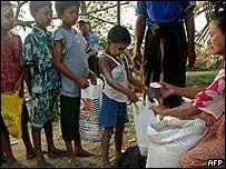Доноры обещают Бирме 50 млн. долларов вместо 11 млрд