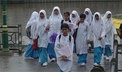 Форма малазийских школьниц провоцирует к прелюбодеянию
