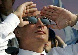 Премьер Путин взял курс на умеренное снижение налогов