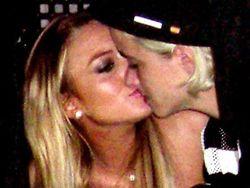 Линдси Лохан (Lindsay Lohan) подозревают в лесбиянстве