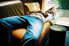 Высыпаясь по выходным, мы уменьшаем дефицит сна