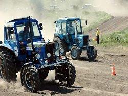 «Бизон трек-шоу-2008»: фотоотчет с гонок на тракторах