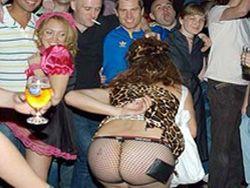 Жителей Стамбула шокировала вечеринка британских моряков