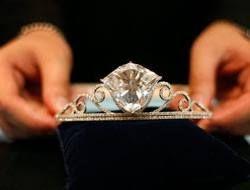 На аукционе установлен рекорд по продаже бриллиантов