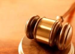Коррумпированные судьи помогают пойманным на взятке чиновникам