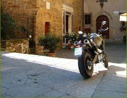 В Испании появились стоп-линии для мотоциклистов